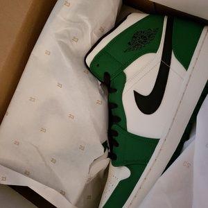 Jordan's Mid pine green